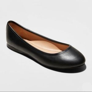 Black Faux Leather Round Toe Ballet Flats, NWT